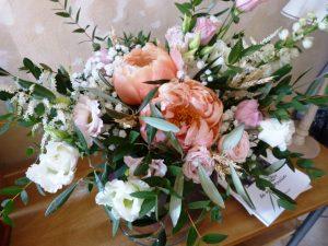 décoration florale : bouquet de fleur dans l'entrée
