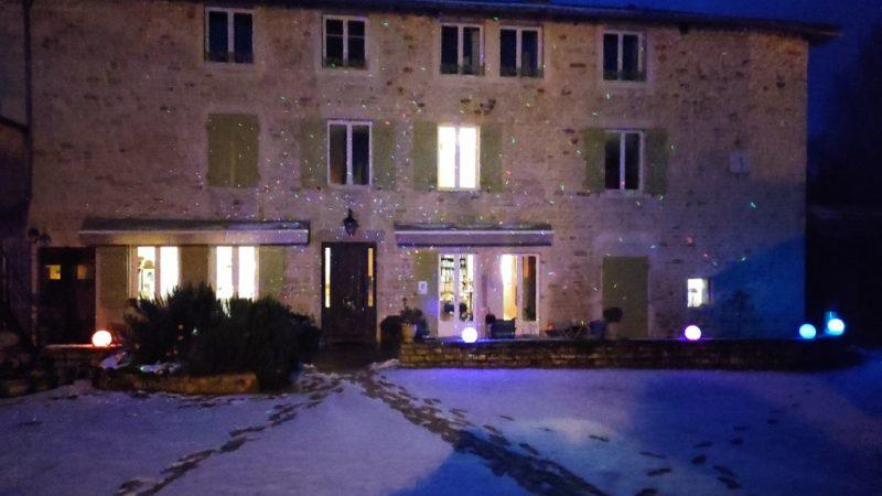Le Moulin De Nuit Dans La Neige